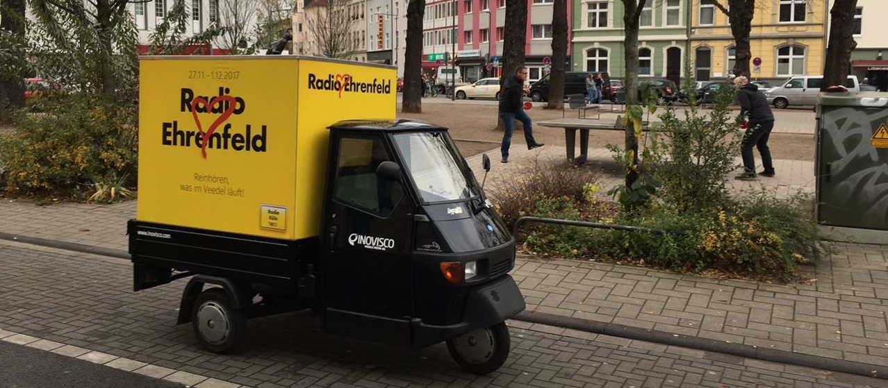 Ape Werbung für Radiosender in Köln - Piaggio Ape umfunktioniert zum Werbeträger