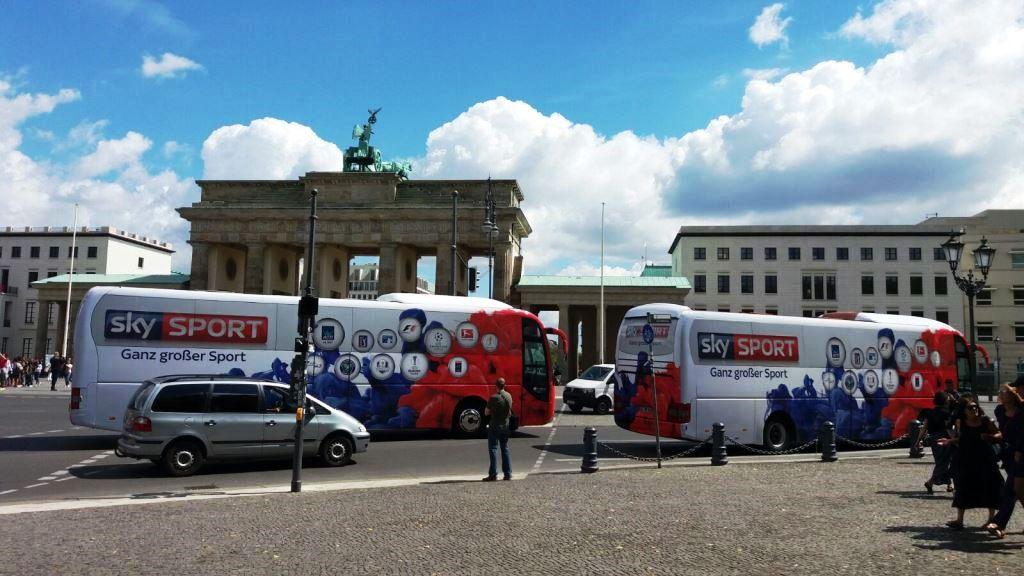 BusPromo - Buswerbung für TV-Sender Sky SPORT - Promotour Berlin