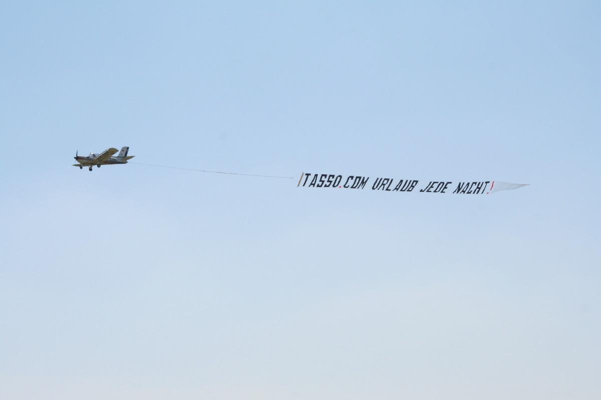Flugzeug-Bannerwerbung-Airbanner Luftwerbung