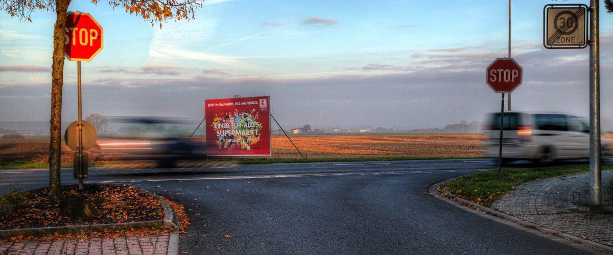 Großflächenplakate-inovisco-Mobile-Media-AG
