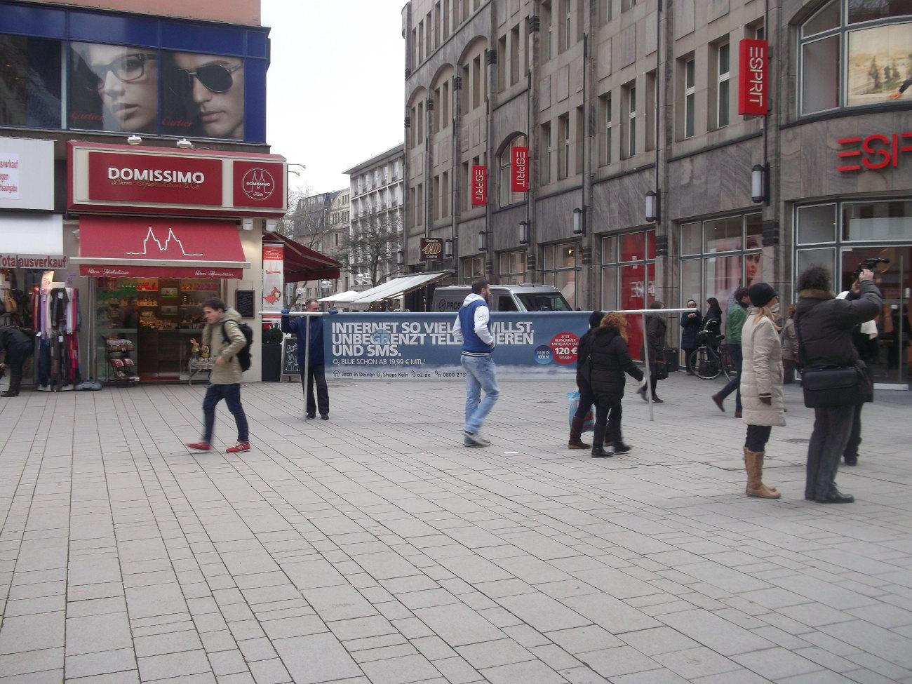 mobiles Werbebanner in Fußgängerzone - Innenstadt-Werbung