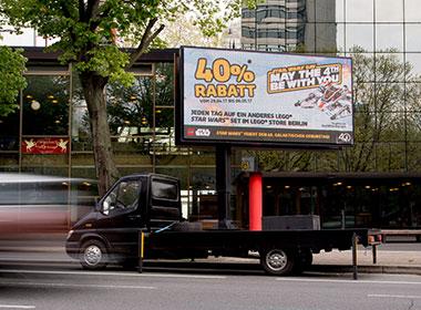 mobiler LED-Truck - Bildschirmwerbung für LEGO auf Werbefahrzeug