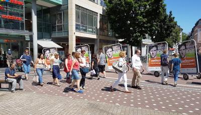 Fahrradanhängerwerbung in der Mainzer Innenstadt für Champions for Charity