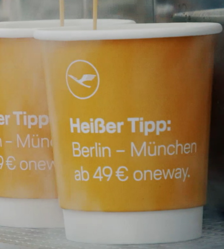 bedruckter Kaffeebecher mit Slogan passend zu Heißgetränken