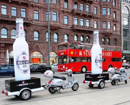 Guerilla Kampagne von Becks - 3D Nachbau einer Bierflasche