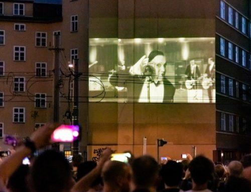 """Weltpremiere: Rammstein Song """"Radio"""" wird auf Hauswände projiziert"""