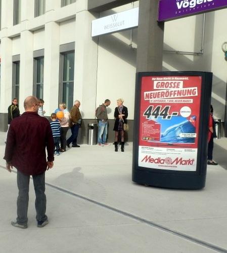MediaMarkt wirbt mit ferngesteuertem CLP in der Fußgängerzone