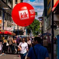 Guerilla Ballons - kik Werbeaktion