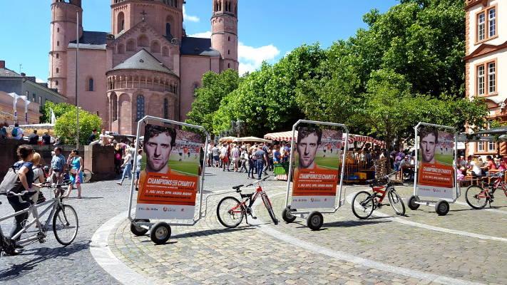 CoolLiteBike - Werbeanhänger Champs for Charity