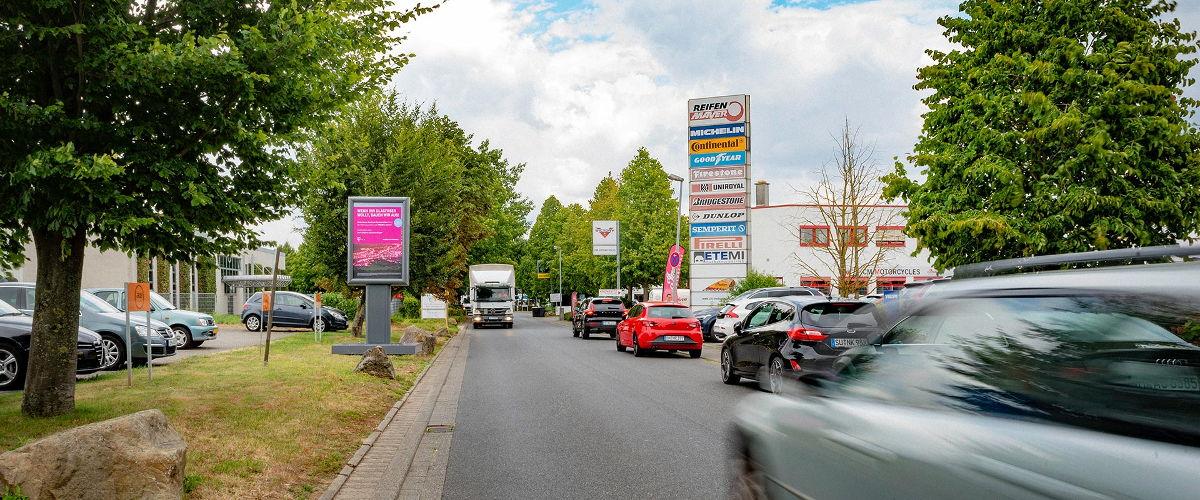 CLP Plakatrahmen mit beidseitiger Werbefläche