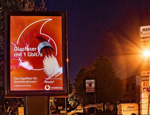 Das neue CoolLiteBoard: zwei Werbeflächen in 4 Metern Höhe