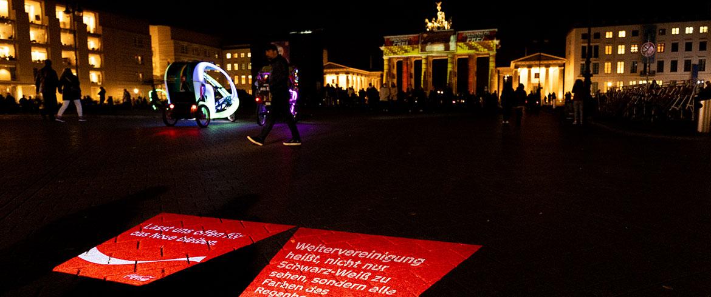 BeamerMan-Projektion-Berlin-Brandenburger-Tor