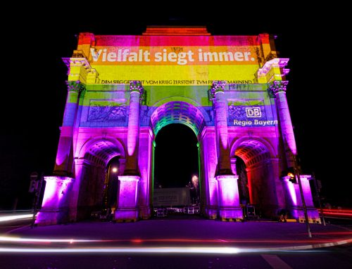 Digitales Riesenposter als Zeichen für Vielfalt