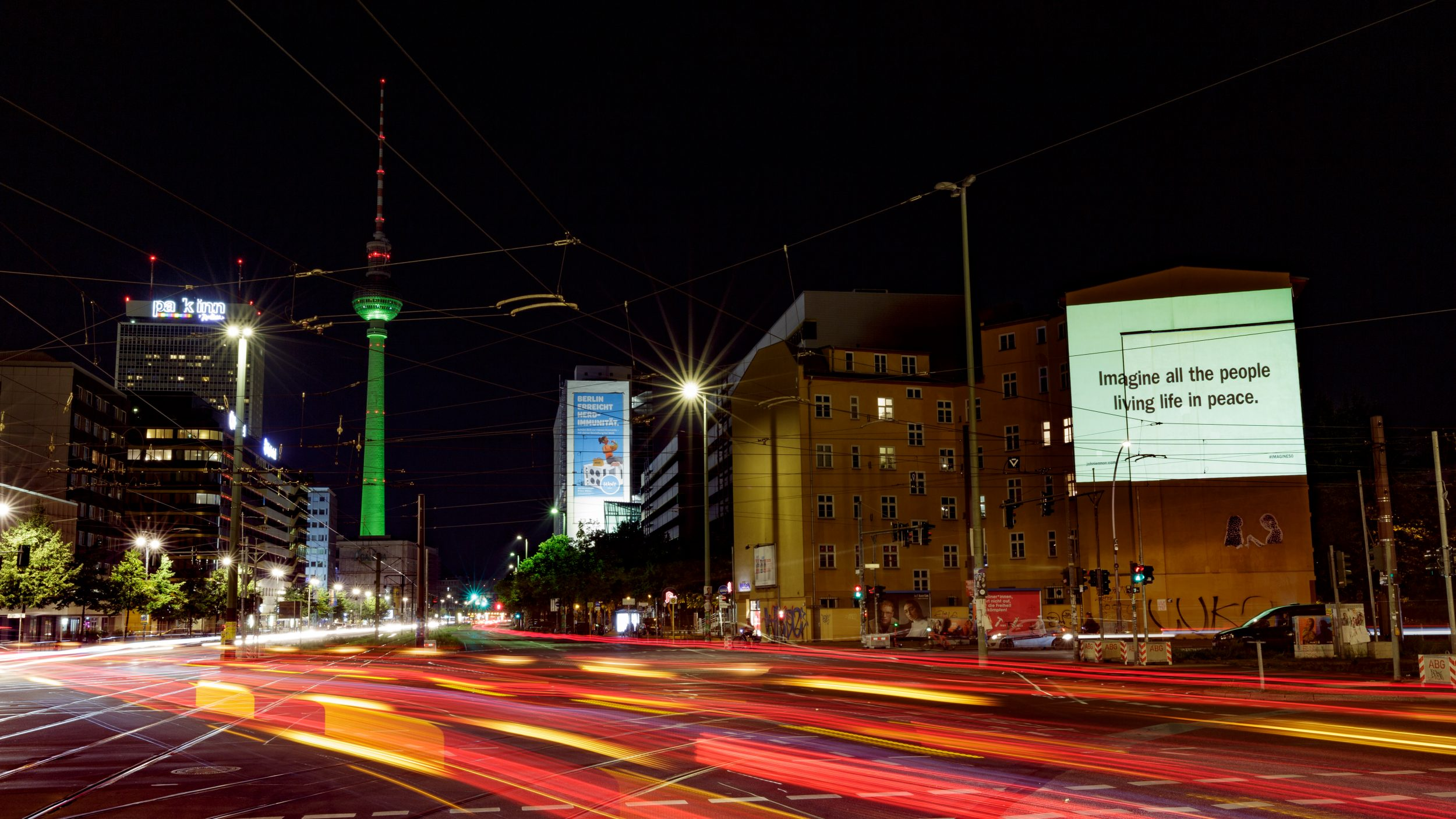 Digitales Riesenposter für John Lennon in Berlin